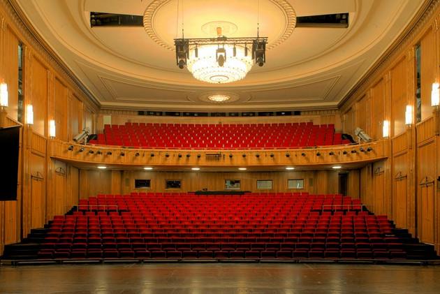 Schauspiel Leipzig Saal (ohne Publikum)