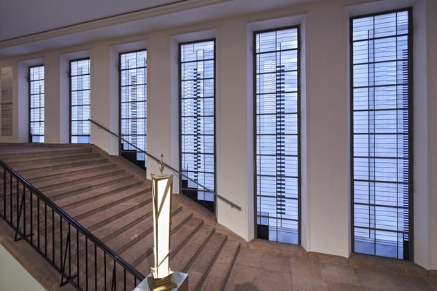 Fensterfront im Treppenhaus des Grassi Museums