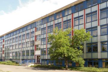 Bild wird vergrößert: Gebäudeansicht Oberschule - Paul-Robeson-Schule