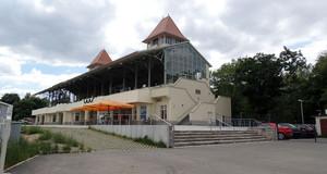 Tribüne der Rennbahn Scheibenholz
