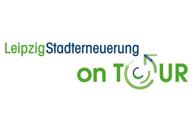 Wort-Bild-Marke in grün blau Logo mit Schirftzug Leipzig Stadterneuerung on Tour