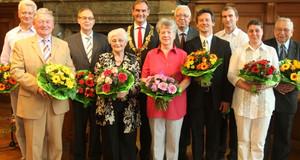 Verleihung Ehrennadel und Ehrenurkunde durch den Oberbürgermeister Jung.