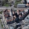 Schrägluftbild mit Blick von Osten nach Westen auf das Neue Rathaus in Leipzig.