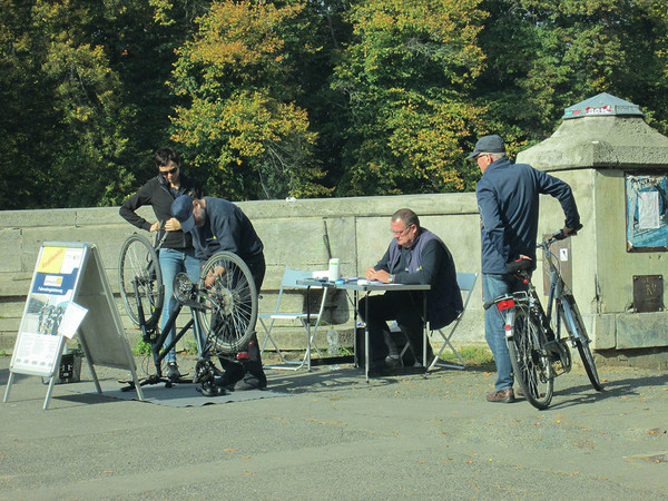 Fahrradregistrierung an der Sachsenbrücke