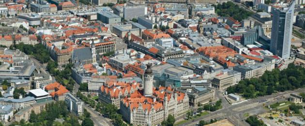 Blick von Südwesten auf die Leipziger Innenstadt aus der Luft.