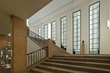 Bild wird vergrößert: GRASSI Museum stairway