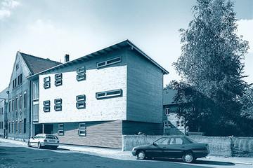 Bild wird vergrößert: Gebäudeansicht Holzhaus Alte Straße