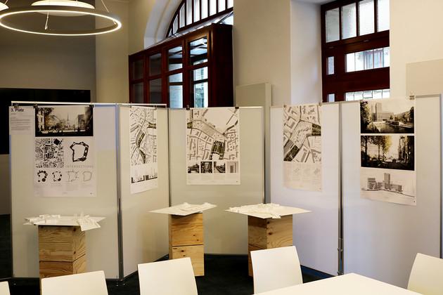 Ausstellung der Siegeremtwürfe der Bauhaus-Universität Weimar zur Umgestaltung des Promenadenrings im Leipziger Stadtbüro.