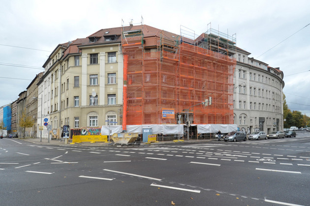 Gebäude in der Zschocherschen Straße mit Sicherungsmaßnahmen