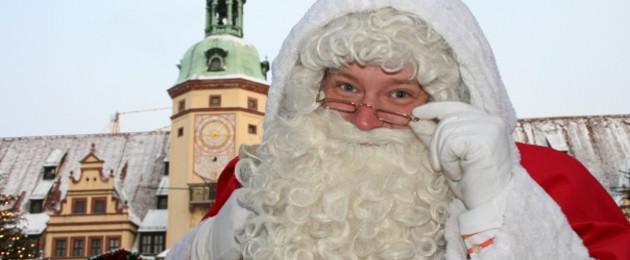 Der Weihnachtsmann vor dem Alten Rathaus
