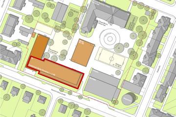 Bild wird vergrößert: Planansicht mit dem Gelände der Grundschule Böhlitz-Ehrenberg mit markierter Fläche, auf der ein Erweiterungsbau errichtet werden soll.