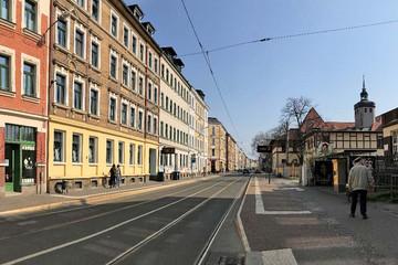 Bild wird vergrößert: Blick in die Georg-Schwarz-Straße mit sanierten Häusern aus der Gründerzeit