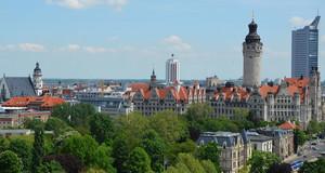 Skyline Leipzig mit Turm des Neuen Rathauses und City-Hochaus
