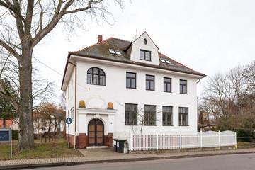 Bild wird vergrößert: Gebäude der Alten Schule Göbschelwitz im Ortsteil Seehausen