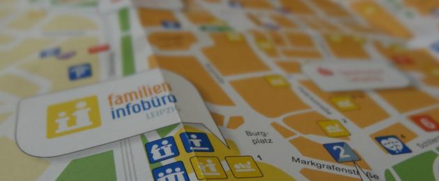 Schräger Blick auf einen Stadtplan-Ausschnitt