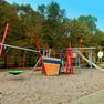 Spielbereich des umgestalteten Mehrgenerationenplatzes an der Parkallee