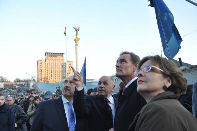 Oberbürgermeister Jung führt Gespräche mit Vertretern der Stadt Kiew am Maidan