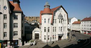 Außenansicht des Gebäudes des Theater der Jungen Welt