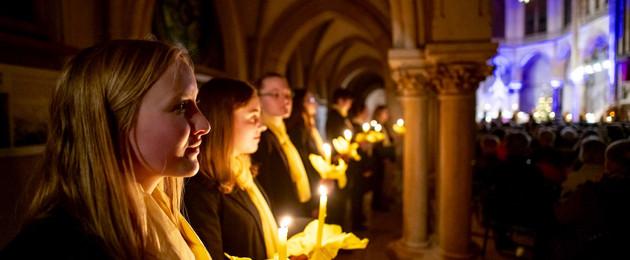 Mitglieder des Mädchenchores in der Peterskirche Leipzig
