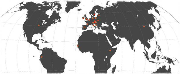 Ausschnitt einer Weltkarte mit zahlreichen Standortmarkierungen auf den verschiedensten Kontinenten.
