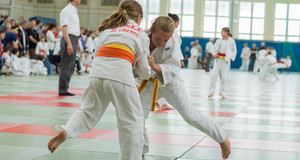 Kinder beim Judotraining
