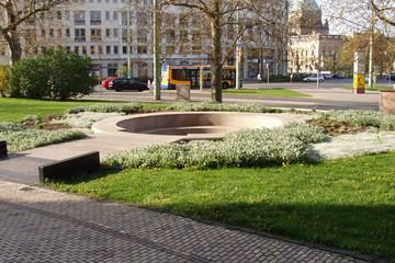Bild wird vergrößert: Goerdelerdenkmal am Martin-Luther-Ring (Neues Rathaus)
