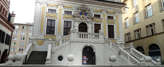 Blick auf die Fassade der Alten Handelsbörse