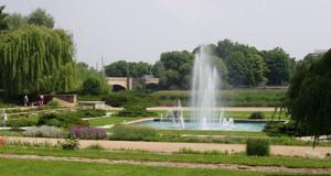 Springbrunnen in der Parkanlage Richard-Wagner-Hain