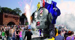 Visualisierung einer überlebensgroßen Skulptur in einer Menschenmenge zum StadtFestSpiel