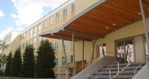 Gebäudeansicht Abendmittelschule / -gymnasium