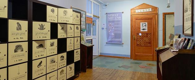 Eingangsbereich der Ausstellungen des Leipziger Schulmuseums
