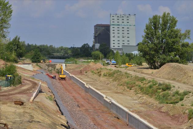Baustelle der zukünftigen Gewässerverbindung von Karl-Heine-Kanal zum Lindenauer Hafen