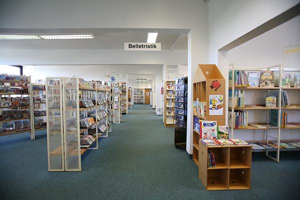 Bibliothek Grünau-Nord - Blick in die Bibliothek