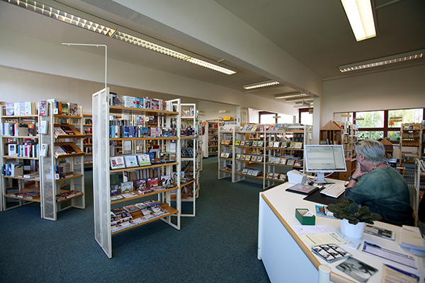 Bibliothek Grünau-Nord - Servicetheke