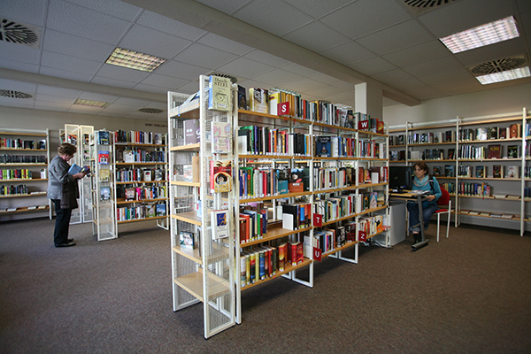 Bibliothek Grünau-Süd - Bereich Belletristik