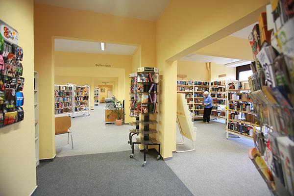 Bibliothek Grünau-Mitte - Bereich Belletristik