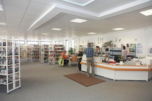 Bibliothek Reudnitz - Blick in die Bibliothek