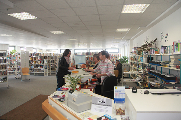 Bibliothek Reudnitz - Servicetheke