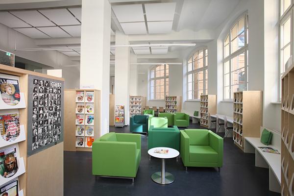 Zeitschriften-Lesesaal im Erdgeschoss
