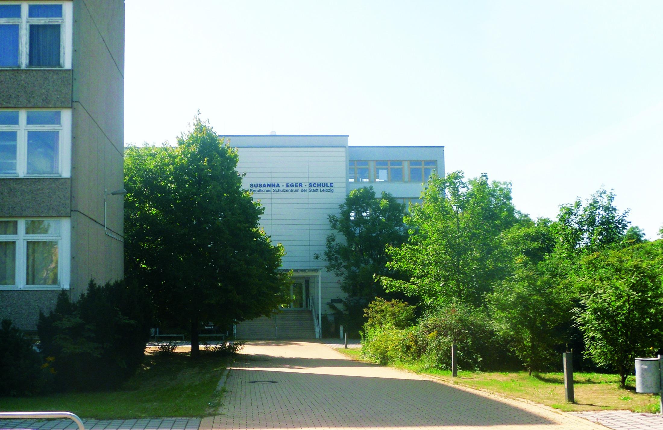 Gebäudeansicht des Berufsschulzentrum 10 Susanna-Eger-Schule