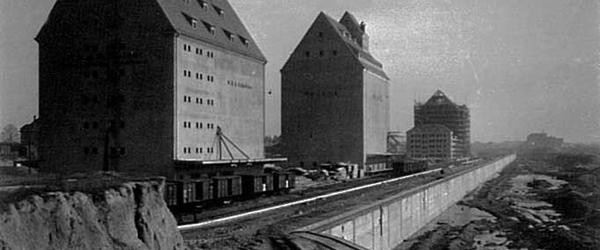 Speicherhäuser am Lindenauer Hafen 1938