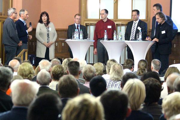Podiumsdiskussion in der Humboldtschule zur Erweiterung des Straßenbahn
